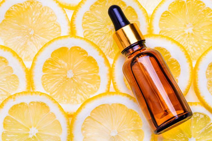 美白効果も期待できるビタミンC誘導体化粧水