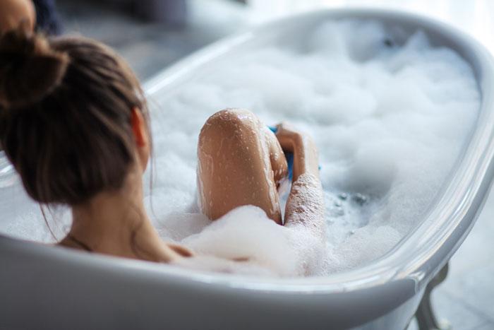 浸かる時間や温度は?効果的な足湯のやり方