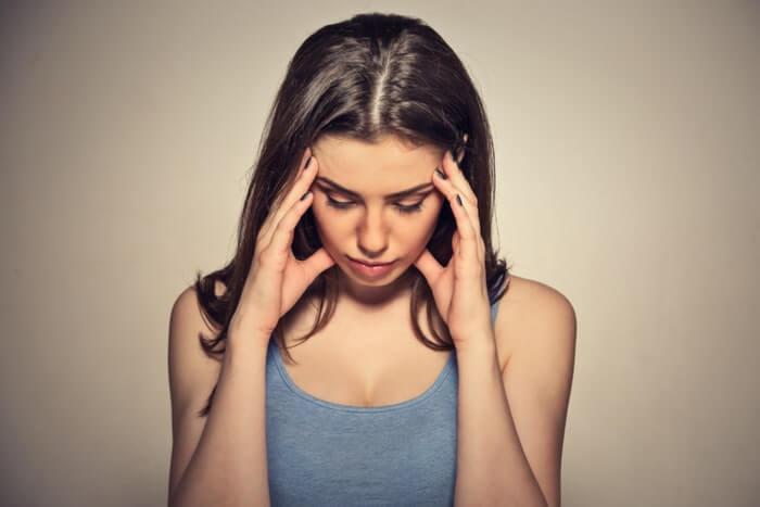 ストレスが乾燥肌に繋がる3つの原因とそのメカニズムは