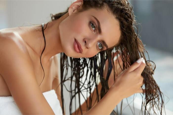 基本的なヘアオイルの使い方と応用アレンジ