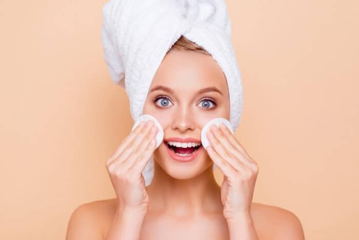 ふき取り化粧水のメリットとデメリット