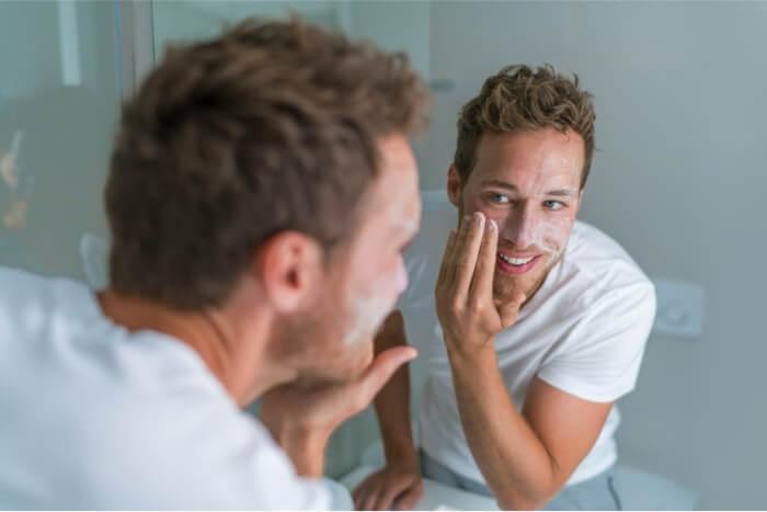 男性向けニキビ肌用洗顔料